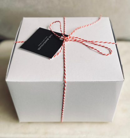 A picture of the packaging for the brownie gift box